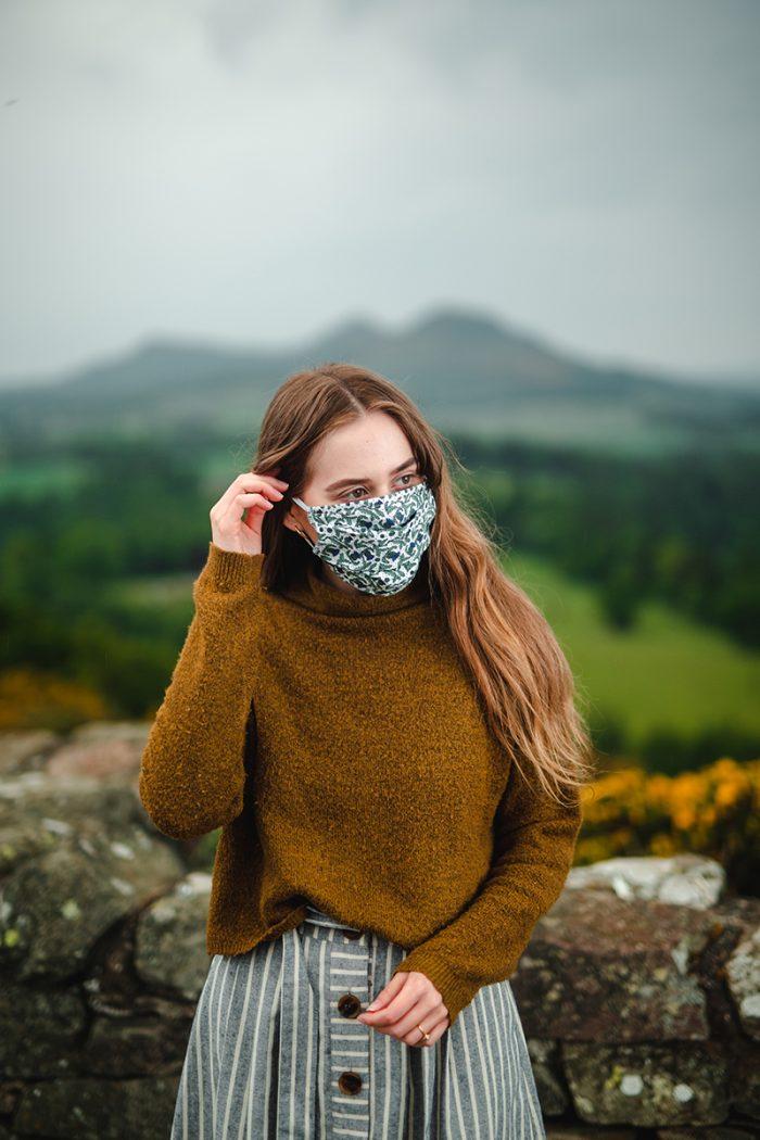 Scottish face mask rose