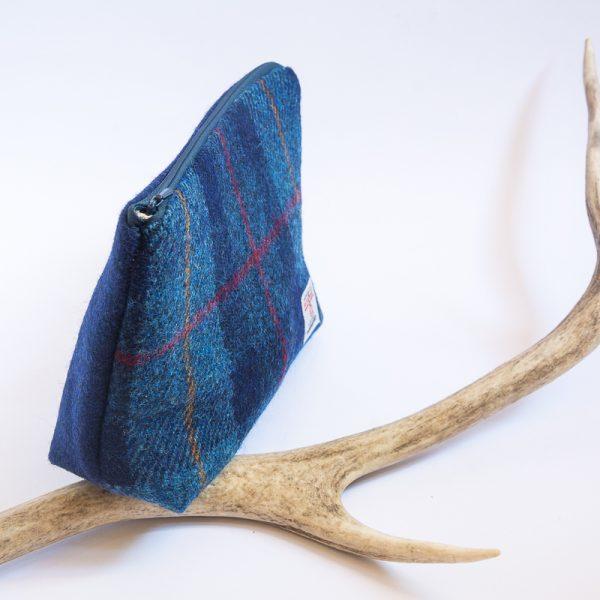 harris tweed wash bag check navy