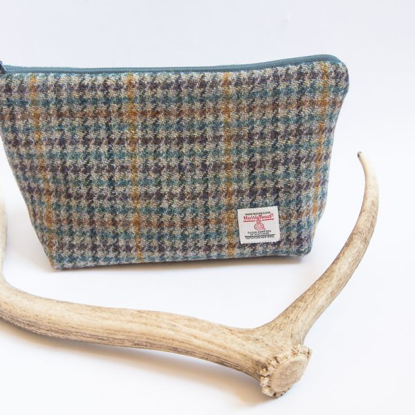 harris tweed wash bag houndstooth