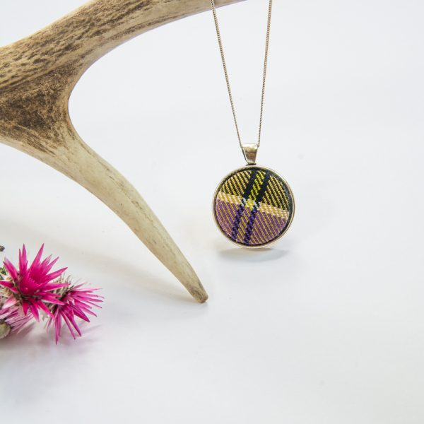 Culloden tartan pendant (white stripe)